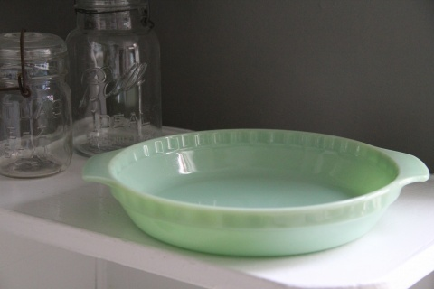 Vintage jadite pie plate
