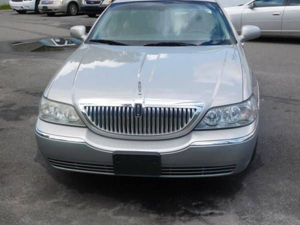 2006 LINCOLN TOWN CAR DESIGNER   The Low Countrys premier buy here p (DOWN   Lincoln_ Town_ CAR_ Guaranteed Approval!)