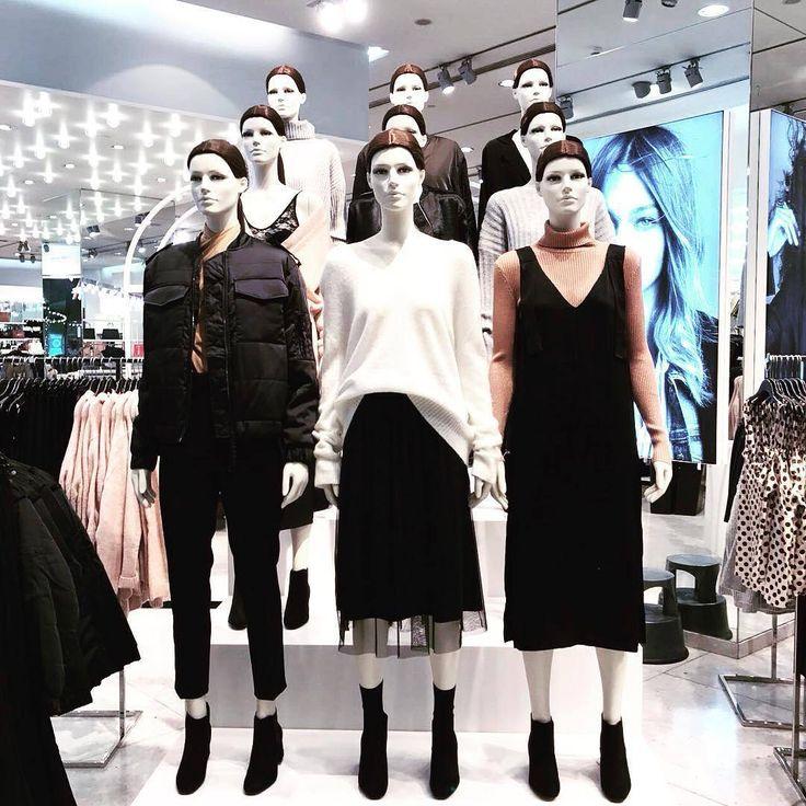 Girl squad @hm #retaildisplay #visualmerchandising #visualmerchandiser #vmlife #squad #squadup #mannequin #hm #vmdaily via @catamercadou