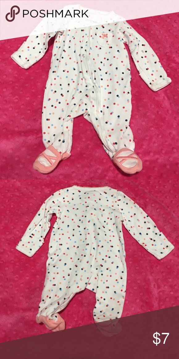 Infant girls polka dot footie sleeper. GUC. Zipper sleeper with footies and mitten fold sleeve. No stains. Normal wash wear. Carter's One Pieces Footies