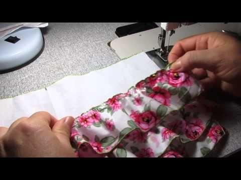 como fazer o vestido da ursinha 3d na toalha de bebê  video 2/3