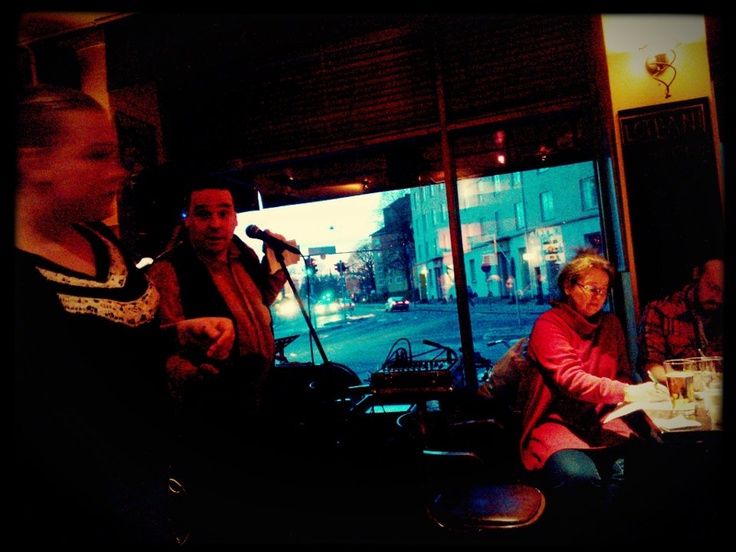 Poetry night at the hear of Martti, in Hugo.