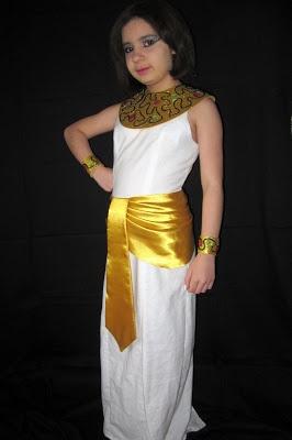 EL BAÚL DE LAS COSTURERAS: Drapeado para vestido de Cleopatra