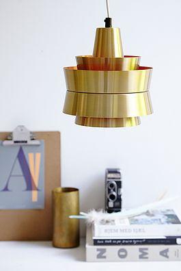 Messing lampe - 600kr. Køb den på www.loppedesign.dk