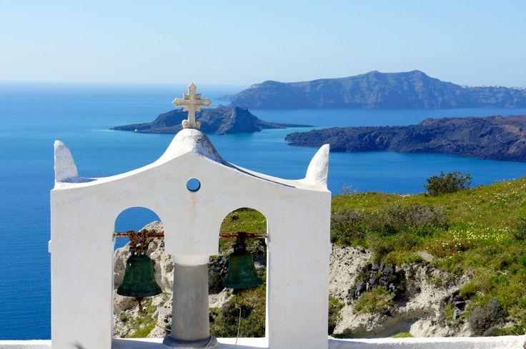 The Caldera of Megalochori, Santorini  www.santoriniheritagevillas.com #santorini #santorinigreece #santorinivillas #santoriniheritage #lifo #greece #travel