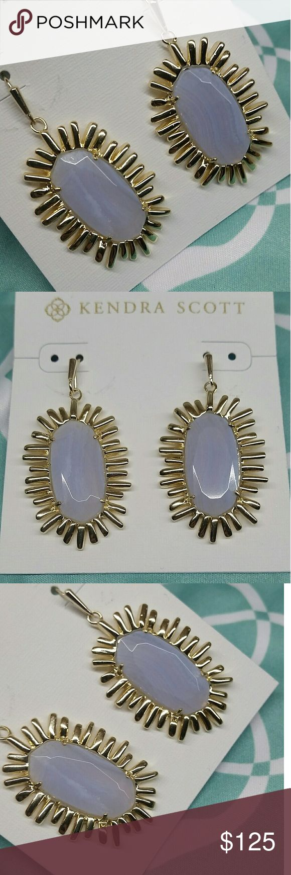 BLUE LACE AGATE GOLD MARIAH EARRINGS KENDRA SCOTT MARIAH EARRINGS  GOLD PLATED SETTINGS BLUE LACE AGATE STONES CUSTOM, COMES WITH DUST BAG EXCELLENT CONDITON  BEAUTIFUL EARRINGS BEAUTIFUL AGATE LINES IN THE STONES  COMES WITH: DUST BAG EARRING BACKS WHITE EARRING BOARD CARE CARD  SHIPS NEXT OR SAME DAY Kendra Scott Jewelry Earrings