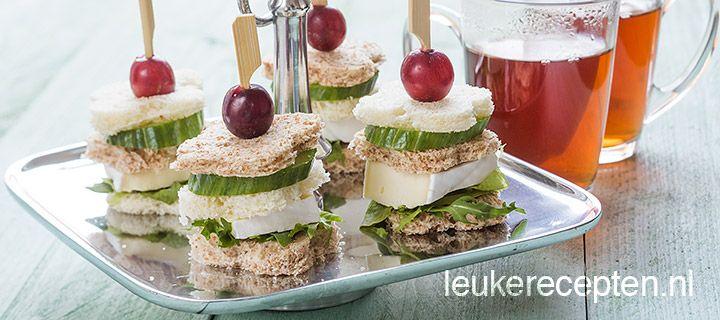 sandwich torentje met briehttp://www.leukerecepten.nl/recepten/968-sandwich-torentje-met-brie