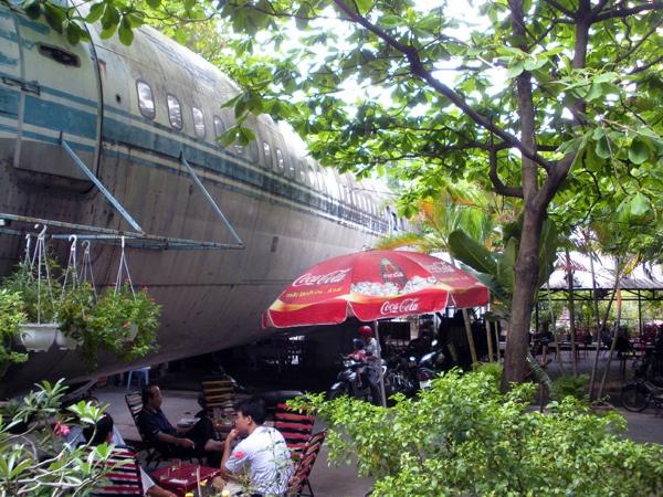 Airplane Cafe in Saigon by AmericanVietnamese, via Flickr