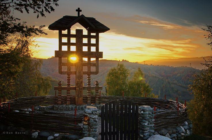 Beautiful sunset from Romania - Tara Barsei