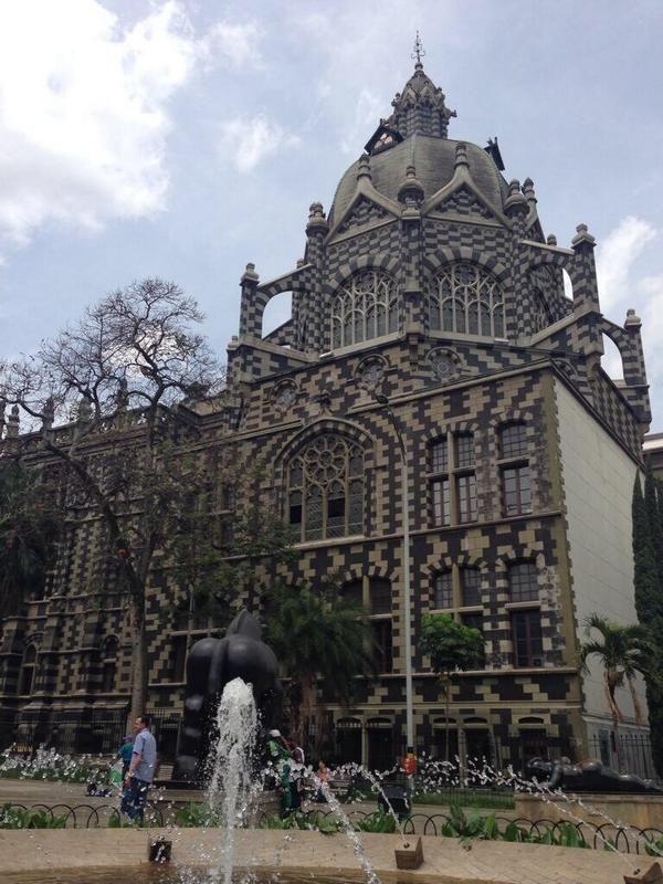 Palacio de la Cultura- Med.