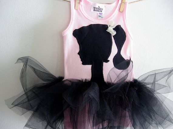Vintage barbie: Vintage Barbie, Londyn Barbie, Barbie Silhouette, Birthday Outfit, Barbie Tanks, Barbie Party'S