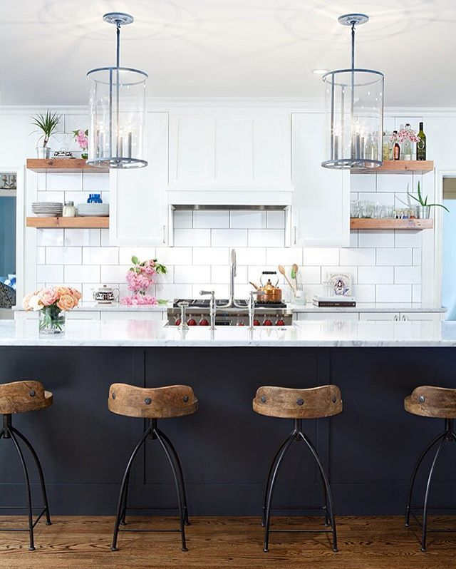 @arteriorshome stools and the @urbanelectricco pendants @mitchallenphoto