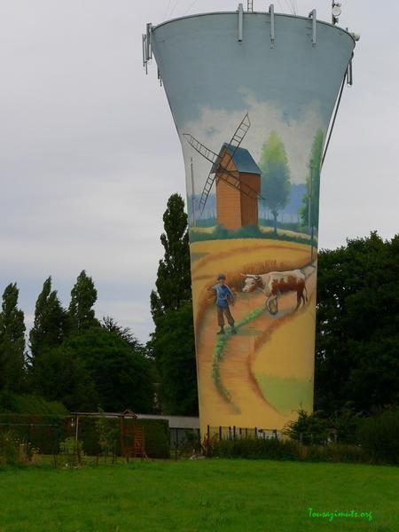 Le château d'eau.     Crève coeur le Grand (Oise ) Picardie