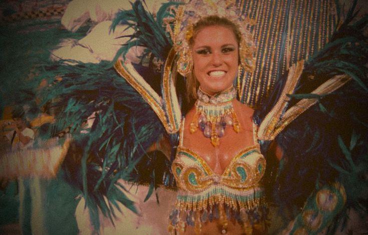 Los brasileños adoran el fútbol, pero si hay algo que les gusta aún más es el baile y la fiesta. Y justamente eso es lo que se celebra todos los años entre febrero y marzo en la fiesta popular más importante del país, el carnaval.  #Brasil #Carnaval #Carnavales
