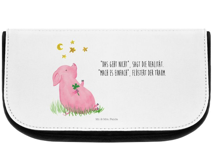 Kosmetiktasche Glücksschwein aus Kunstfaser  Natur - Das Original von Mr. & Mrs. Panda.  Eine wunderschöne Kosmetiktasche von Mr. & Mrs. Panda mit getrennten Fächern und Reißverschlussfach an der Vorderseite. Sie ist strapazierfähig, schmutzabweisend und abwaschbar. Bedruckt mit unseren wunderschönen handgezeichneten Motiven. Das dargestellte Zubehör ist beispielhaft und nicht enthalten.    Über unser Motiv Glücksschwein      Verwendete Materialien  Die verwendete sehr hochwertige Kunstfaser…