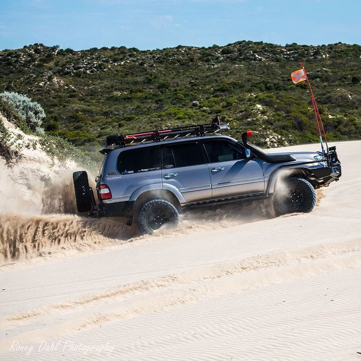 One of the best 100 series Landcruiser getting around..... #westernaustralia…