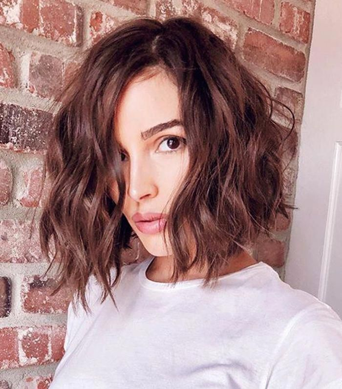 Celebrity hairstylists reveal the best haircut for thin hair. Read all about it here. #longbob