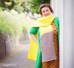Een tunische sjaal haken? Met dit gratis patroon van een lekkere dikke sjaal maak je eenvoudig je nieuwe fashion item. Lees snel verder...