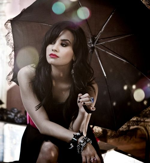 Demi Lovato Wallpaper: 12 Best Demi Lovato Eating And Drinking Photos Images On