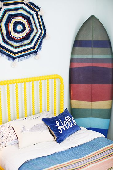 A Totally Rad Kid's Room Makeover // boys room, Jenny Lind bed, surfboard