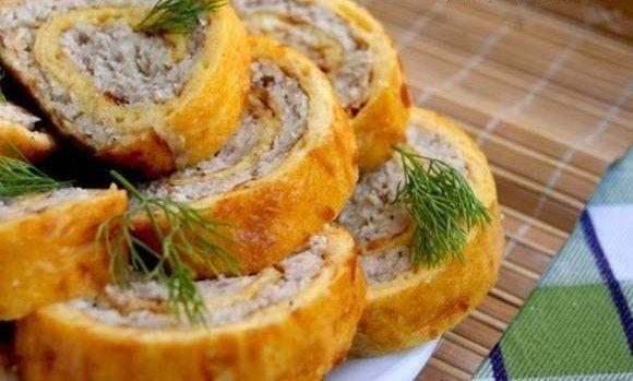 Chicken roll in omelette