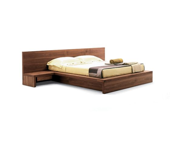 Double beds   Beds and bedroom furniture   Como   Riva 1920. Check it out on Architonic