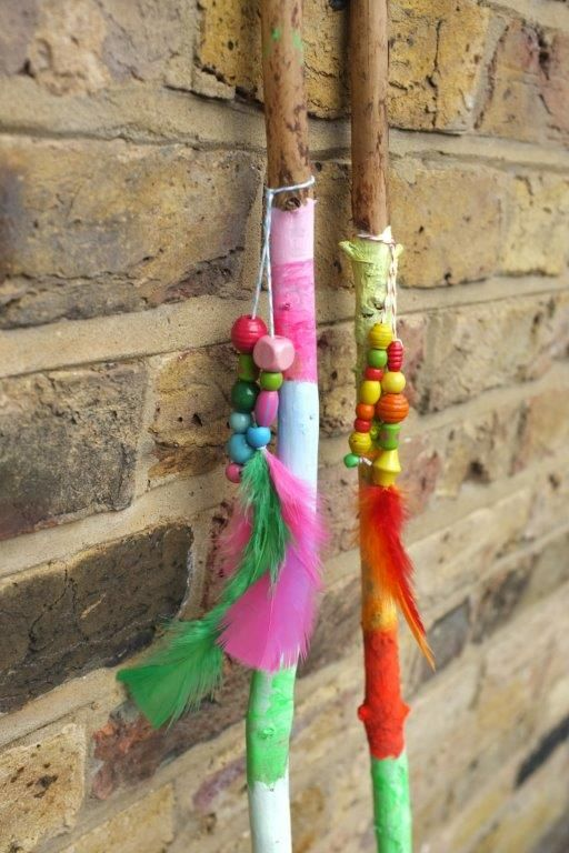Create your very own colourful walking sticks for those big hikes out into the woods. We had so much fun, selecting the colours and beads making this craft with the kids!