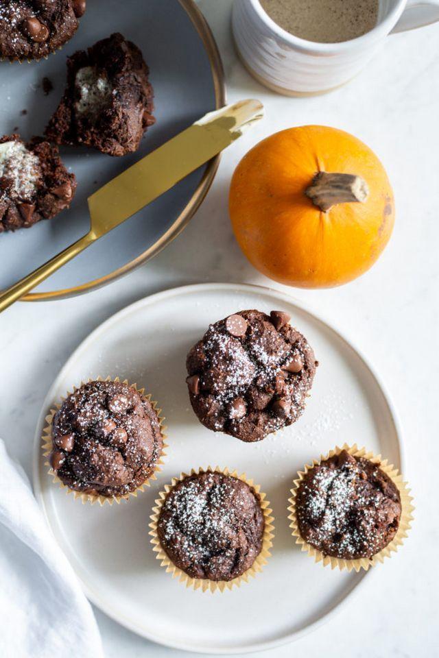 One Bowl Pumpkin Chocolate Muffins Vegan Gluten Free Oh She Glows Pumpkin Chocolate Chocolate Muffins Chocolate Pumpkin Muffins