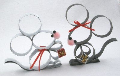 Toilet paper roll mice. Probably the cutest thing I've seen done with a toilet paper roll by far.