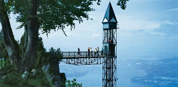 Sveitsiläinen hissi.