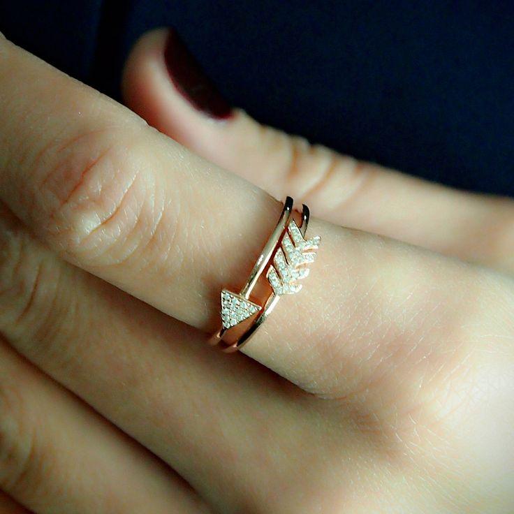 """Arrow"" Crossover Diamond Ring - Plukka - Shop Fine Jewelry Online"