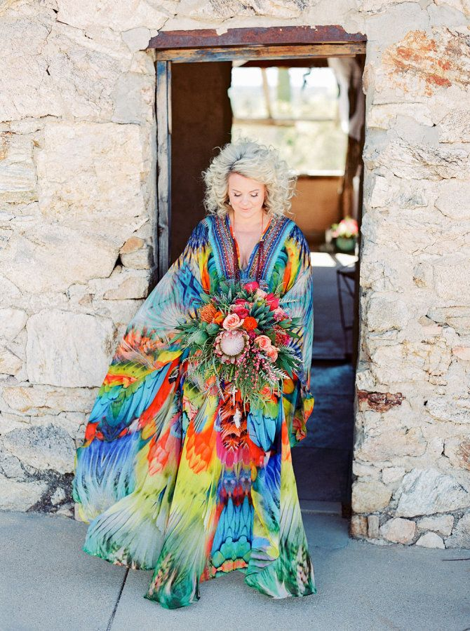 Is there such a thing as a wedding crush? Because if my feelings for this colorful celebration are any indication, then there absolutely is because I'm swooning. Captured by Elyse Hall at the strikingly beautiful Tanque Verde Guest Ranch, it's