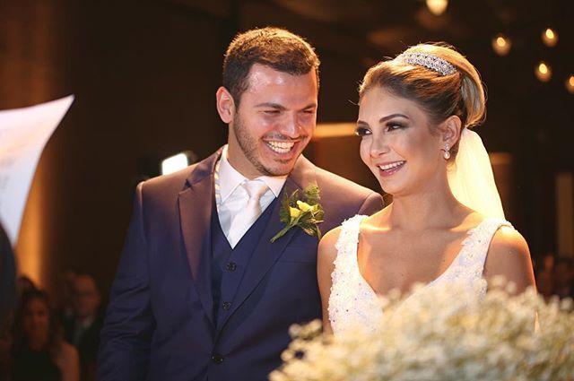"""Registro de hoje Daniela ❤️ Luis  #casamentodanieitu  #wedding #weddingphotography #johanesfotofilmagem #equipejohanesfotofilmagem #cyntiagaibar  @espacotraffo @anapaulatabet  @ricardo.rehder @arrozdefestabuffet  @pinellieventos @johanesfotofilmagem @favodemel  @marcellapastore @djhiltonribeiro @alecymes @arrozdefestabuffet  @sp3music @bandaonex  @cayamasita_makeup"" by @johanesfotofilmagem. #eventplanner #weddingdesign #невеста #brides #свадьба #junebugweddings #greenweddingshoes…"