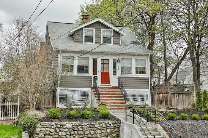 587 Summer St Arlington Ma 02474 With Images Fenced In Yard House Prices Real Estate Sales