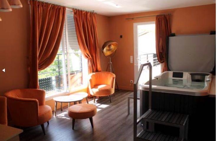 """""""Spa Acquigny"""" chambre d'hôte avec spa privatif. www.bednspa.com"""