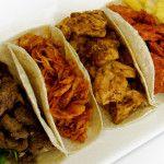 En esta Taquiza llevamos a tu evento cualquiera de nuestras 4 deliciosas carnes, COCHINITA PIBIL (nuestra especialidad) AL PASTOR (pa' los tradicionales) DE POLLO (una receta única e inigualable) y LOMITO (partido en trocitos acompañado de cebollita).