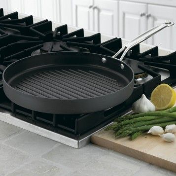 "Cuisinart Chef's Classic Non-Stick Hard Anodized 12"" Round Grill PanHard Anodized, Grilled Pan, Chefs Classic, Cookware, Non Sticks Hard, Cuisinart Com, Classic Non Sticks, Round Grilled, Products"