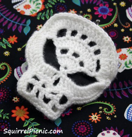 Sugar Candy Skull Free Crochet Pattern / Squirrel Picnic