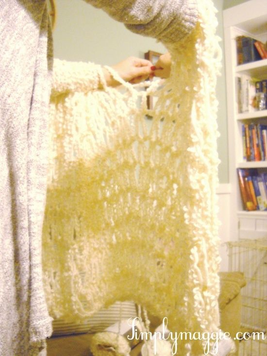 Arm knit a blanket in one hour! Now that's my kind of project!!