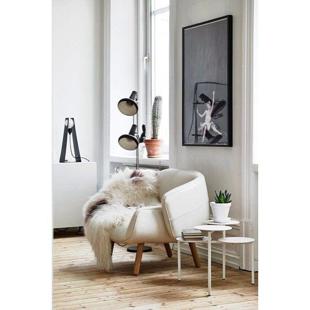 |Fåtölj och sånt|  #lägenhettillsalu#stadshem#göteborg#linnéstan#fotografanders#inredning#inredningsdesign#inredningsdesigner#interior4all#interiorforyou#inredningsstylist#interiör#interior#vardagsrum#livingroom#boconcept#industrydeco#styledbyme#styledbyemmahos