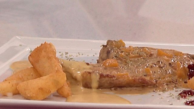 Saber cocinar - Chuletas de cerdo con salsa de melocotón y queso