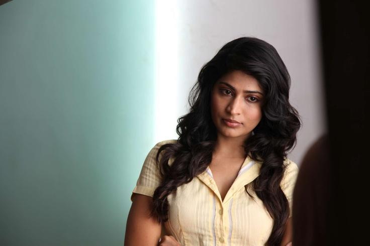 Vijayalakshmi Hot HD Wallpaper from Tamil Movie Rendavathu Padam