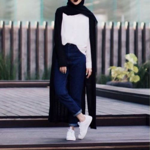 long black cardigan hijab outfit- Beautiful hijab trends 2016 http://www.justtrendygirls.com/beautiful-hijab-trends-2016/