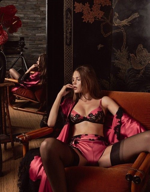 3dabb1fa3b6 Agent Provocateur Premium Naylei lingerie set BNWT in beautiful pink and  black