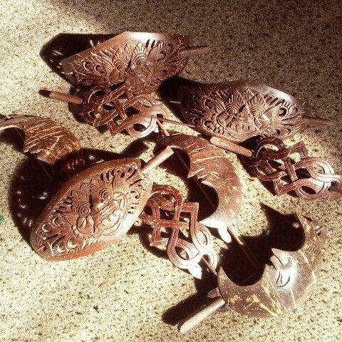 Beautiful hair barrettes made from coconut shell and you can get free 1 for each 2 pairs purchase...