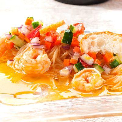 ロブスターの旨みの詰まったスープを冷製パスタに♪ レシプルさんから。リンク先のページからオリジナルのレシピもみられるよ♪ - 517件のもぐもぐ - コニャック&ロブスターのスープで冷製パスタ by SnapDishAD