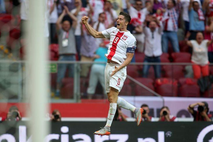 WARSZAWA 13.06.2015 MECZ ELIMINACJE DO MISTRZOSTW EUROPY FRANCJA 2016 GRUPA D: POLSKA - GRUZJA 4:0 --- QUALIFICATION FOR UEFA EURO 2016 MATCH GROUP D IN WARSAW: POLAND - GEORGIA 4:0 ROBERT LEWANDOWSKI FOT. PIOTR KUCZA/NEWSPIX.PL --- Newspix.pl *** Local Caption *** www.newspix.pl  mail us: info@newspix.pl call us: 0048 022 23 22 222 --- Polish Picture Agency by Ringier Axel Springer Poland