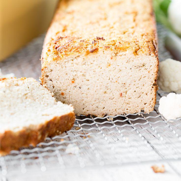 Saftiges Low-Carb-Blumenkohl-Brot mit Parmesan