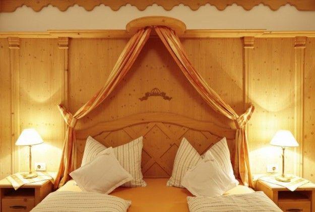 Pi di 25 fantastiche idee su mobili camera da letto in for 4 piani di camera da letto