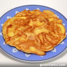 Las tortitas americanas clásicas están deliciosas pero además se pueden hacer de calabaza, zanahoria, manzana... Aprende a hacer tortitas de diferentes sabores siguiendo nuestras recetas. http://www.guiainfantil.com/recetas/postres-y-dulces/recetas-de-tortitas-para-ninos/